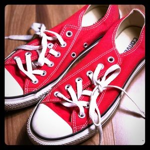 Converse All Star Low Top Red W9 M7